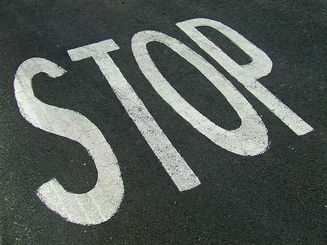 stop 1077973 640