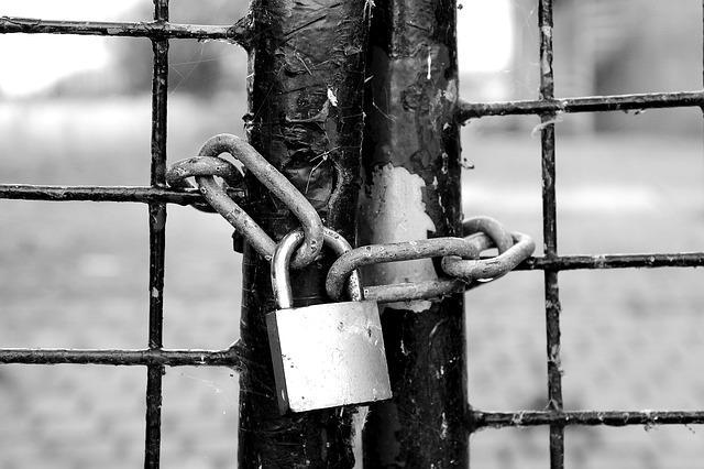 fence 1644822 640