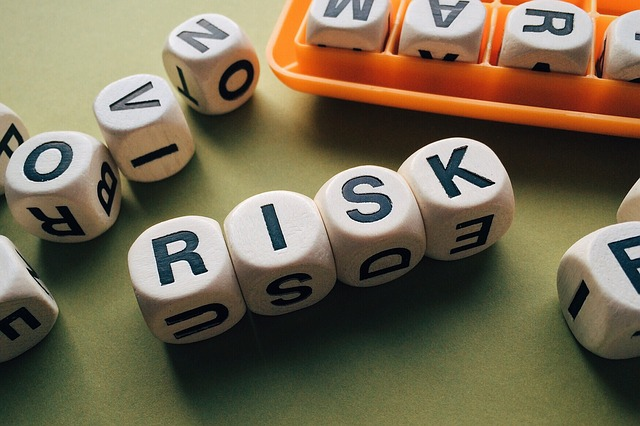 risk 1945683 640