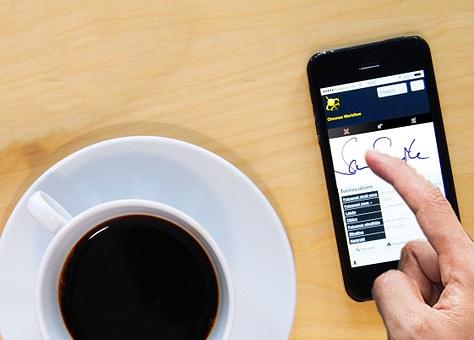 ¿Utilizas la firma electrónica en los contratos de tu empresa?