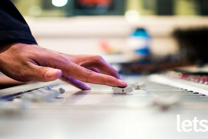 ¿Tienes un sello discográfico o eres productor musical?